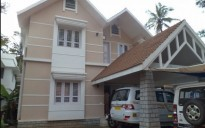 7.5 Cents With 2500 Sqft House in Iringalakkuda