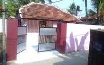 4 Cent Land with House in Elamakkara